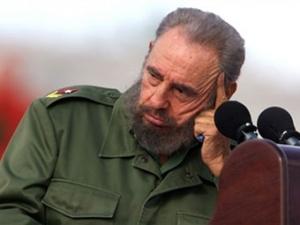 Фидель Кастро потребовал от Обамы вернуть Кубе Гуантанамо