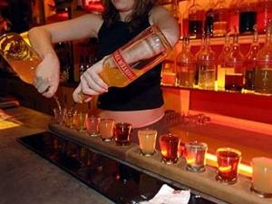 Во Франции запретили бесплатную и дешевую выпивку
