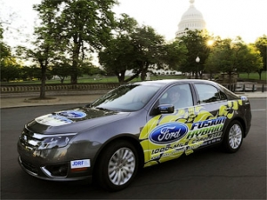 Гибридный Ford Fusion установил рекорд экономичности