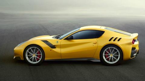 Ferrari випустила поліпшену версію суперкара F12 Berlinetta (1)