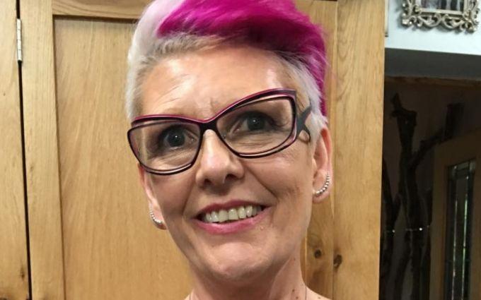 Онкобольная женщина превратила шрам после удаления груди в шедевр: впечатляющие фото