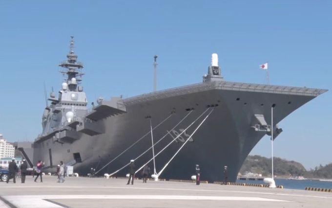 Япония впервый раз направила крупнейший военный корабль для сопровождения авианосца США
