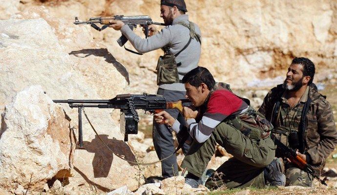 В бою возле Алеппо в Сирии погибло минимум 120 человек