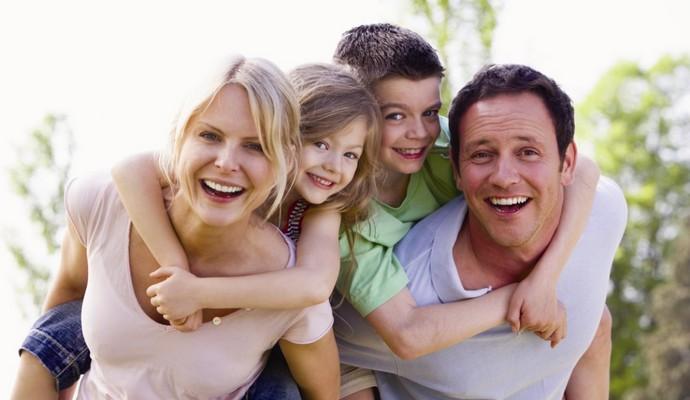 Люди со смешанными чувствами больше ценят семейные узы