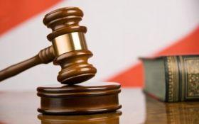 """Суд в Сумах избрал меру пресечения """"экс-сотруднику"""" НАБУ, задержанному на взятке"""