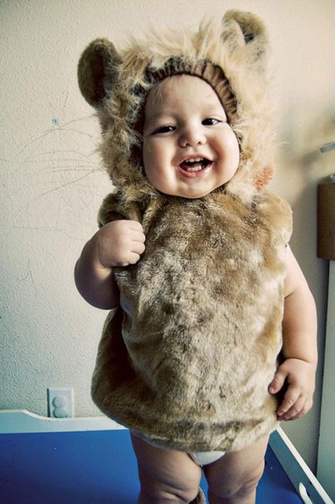 Марии, картинка смешной ребенок в костюме