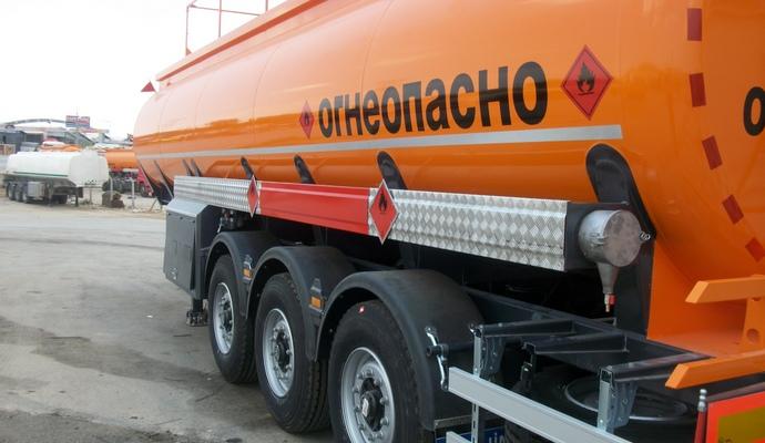 Ціни на нафтопродукти можуть зменшитися - Яценюк