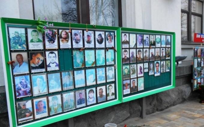 """В ЛНР до сих пор верят в Донбасс, который """"кормит"""" Украину"""