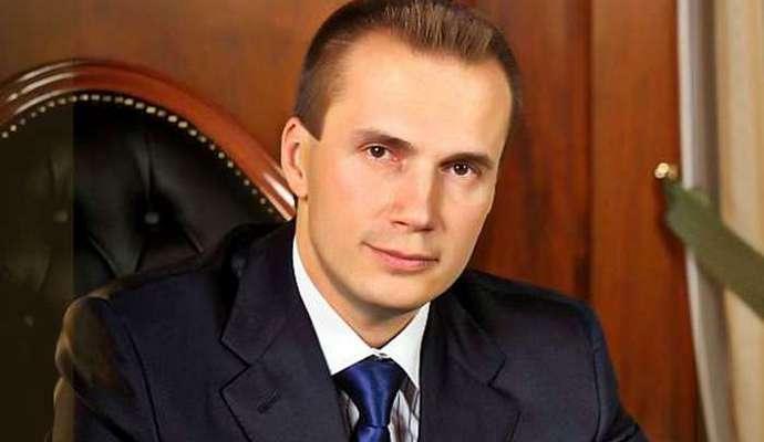 Суд разрешил Нацбанку обанкротить банк сына Януковича