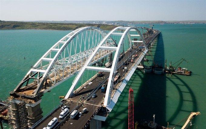 Масове порушення правил дорожнього руху на Керченському мосту: відома причина