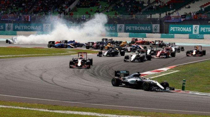 Феттель иСтролл избежали наказания застолкновение после финиша «Гран-при Малайзии»