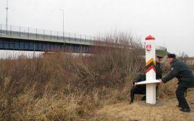 Литва збудує загородження на кордоні з Росією