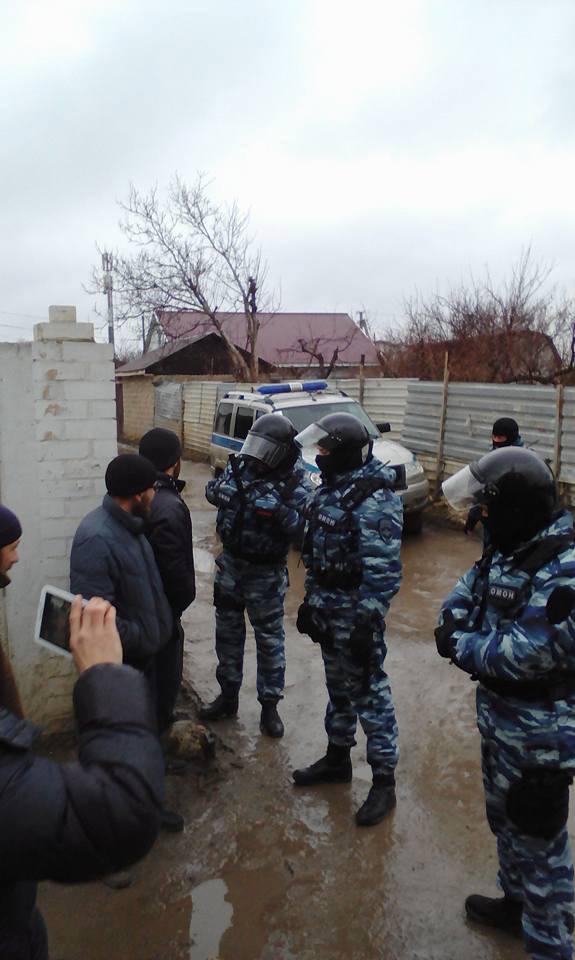 Оккупанты разошлись в Крыму, задержаны десятки людей: появились фото и видео (2)