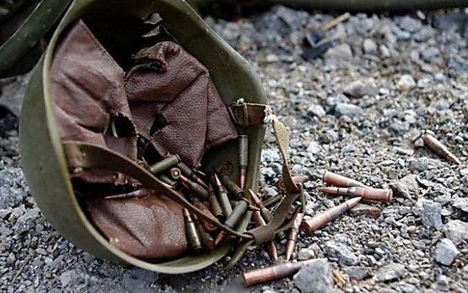 Один военный умер, один ранен взоне АТО наДонбассе вчетверг