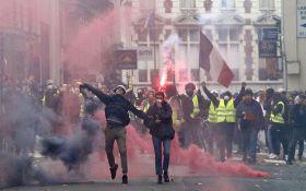 """Причетність Росії до протестів """"жовтих жилетів"""": Франція почала розслідування"""
