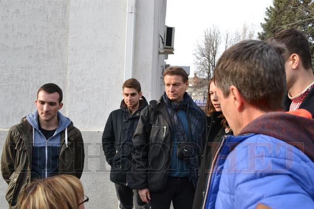 Сестра Савченко пристыдила автора фейка о распятом мальчике: опубликованы фото (1)