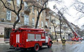 В центре Одессы обрушилась часть жилого дома: появились фото и видео