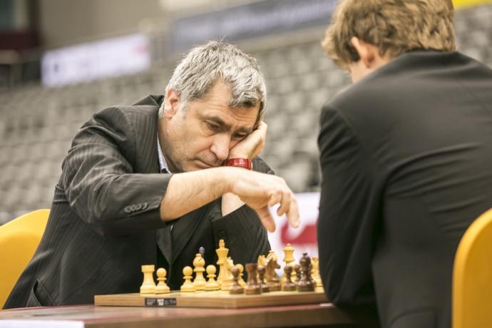Легендарный украинский шахматист вышел в лидеры чемпионата мира (1)