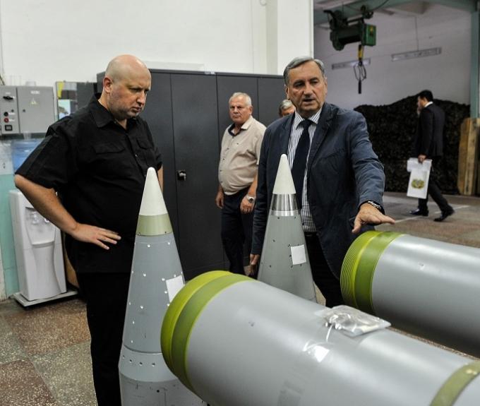Пробивают метровую броню: в СНБО похвастались мощными украинскими ракетами (3)