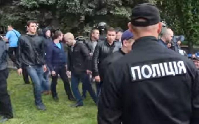 Правоохранители задержали руководителя «титушок», которые избивали АТОшников вДнепре