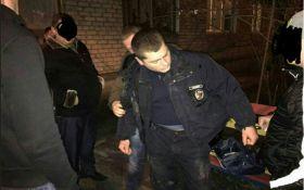В Николаеве полицейского поймали на взятке: появились фото и подробности
