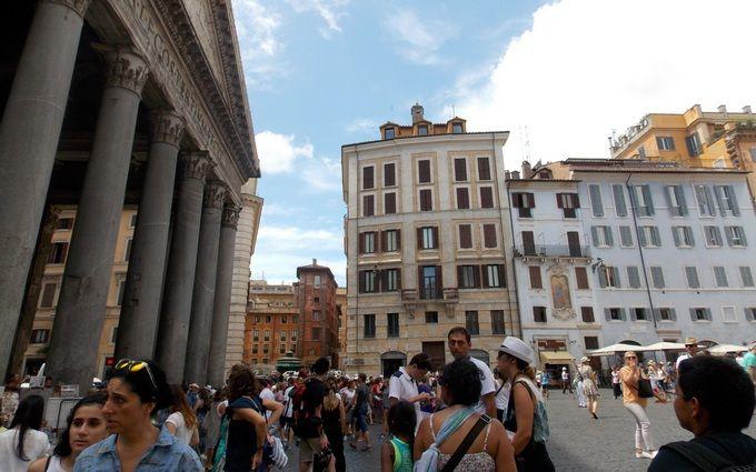 Полная изоляция: Италия пошла на жесткие меры из-за убийственного коронавируса