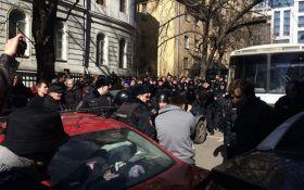 У Трампа резко прокомментировали массовые задержания на митингах в России