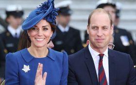 Принцы Уильям и Гарри и Кейт Миддлтон с детьми приехали на праздник к королеве: появились фото