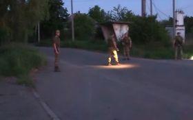 Обстріл бойовиками ДНР Авдіївки: з'явилося відео із очевидцем подій на автобусній зупинці