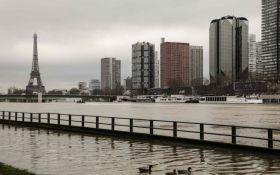 В Париже продолжается наводнение: уровень Сены достиг максимальных значений