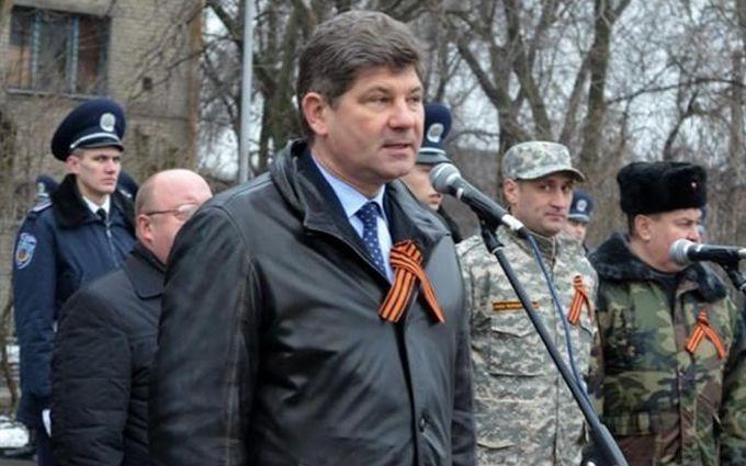 Екс-мер Луганська, який здав місто бойовикам, відпочиває в Європі: фото схвилювало мережу