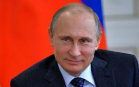 """Как Россия будет """"выбирать"""" Путина: в сети обсуждают всплывшие планы Кремля"""