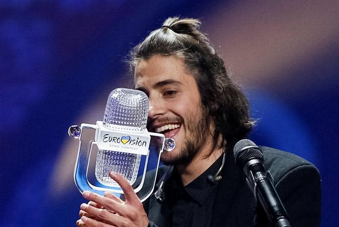 Хто такий переможець Євробачення-2017 Сальвадор Собрал (3)