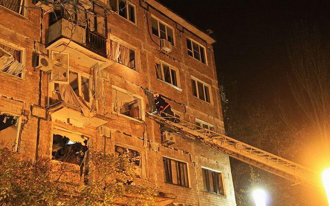 Взрыв в жилом доме Донецка: появились данные о пострадавших и версии