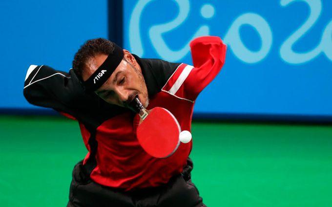 Невероятная жизнь: безрукий теннисист доказал, что невозможное возможно - опубликованы фото и видео