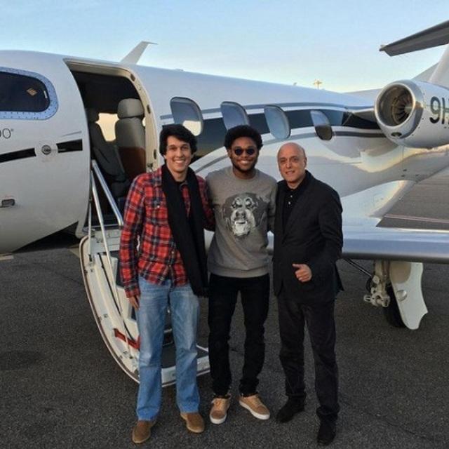 Луис Адриано прибыл в Китай