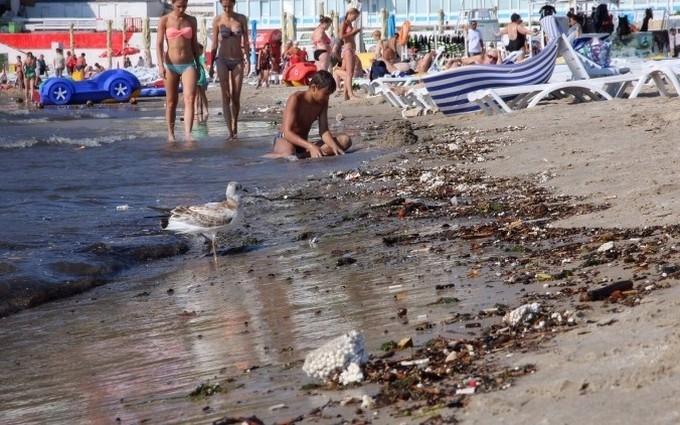 Ураган і шторм в Одесі: з'явилися вражаючі фото і відео наслідків