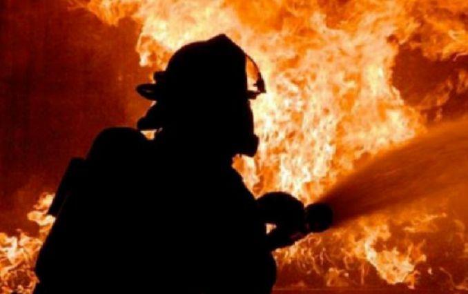 В оккупированной Керчи вспыхнул масштабный пожар - первые фото и видео