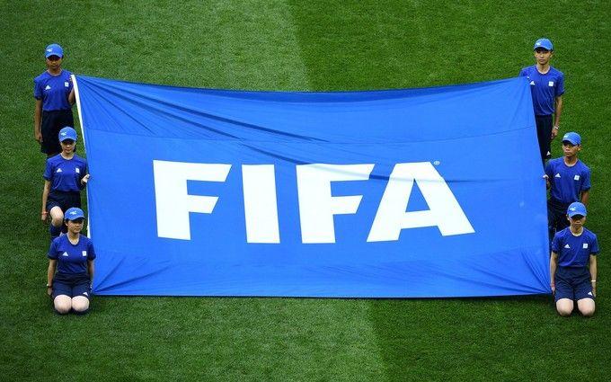 ФИФА наказала Россию за скандальный проступок болельщиков на ЧМ-2018