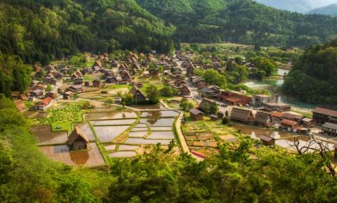 Самые красивые деревушки, которые словно сошли со страниц сказочных книг (20 фото) (7)