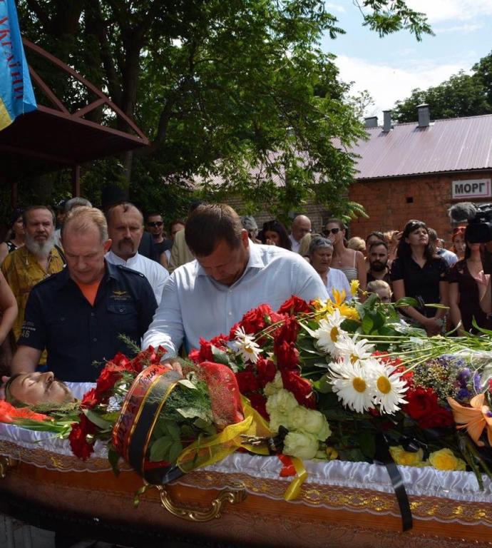 У Дніпрі попрощалися із загиблим в АТО оперним співаком: з'явилися відео та фото (1)