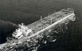 В обход санкций из России в КНДР отправились 8 танкеров с топливом - Reuters