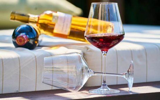 Названа реальна користь вина для жінок