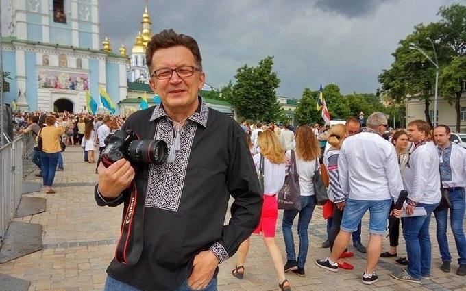 Облитий в Києві кефіром російський блогер відхрестився від антиукраїнських слів