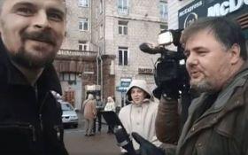 """Скандального блогера в Киеве побил член """"Правого сектора"""": опубликовано видео"""