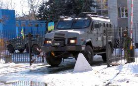 Полицейский спецназ устроил учения в Мариуполе: появилось яркое видео