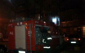 В Киеве произошел взрыв в жилом доме, есть раненый: фото с места происшествия