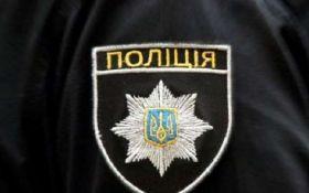 """На Житомирщині офіцера поліції викрили у """"кришуванні"""" повій"""