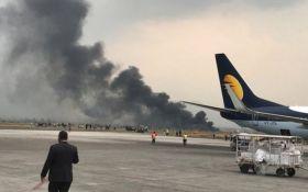 У Непалі розбився пасажирський літак, багато жертв: опубліковано відео