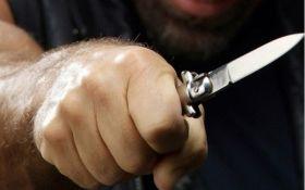 В Ірпені бійця Нацгвардії штрикнули ножем за зауваження компанії молодих людей